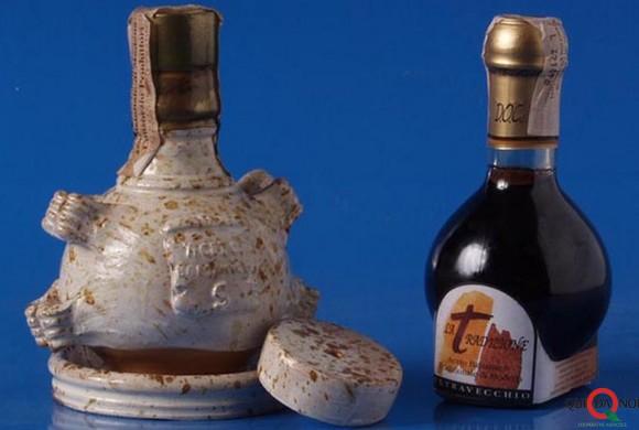 Aceto Balsamico Tradizionale di Modena: in ogni goccia è racchiusa la storia di tante famiglie
