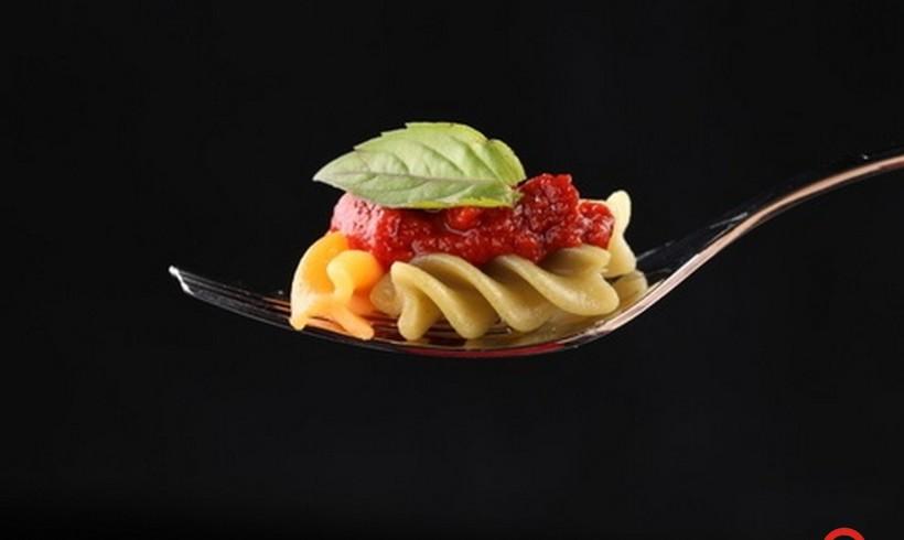 """La 'Cultura' in tavola con Andrea FERRARIS: """"Mi piace inventare sughi per la pasta con quello che trovo nel frigorifero"""""""