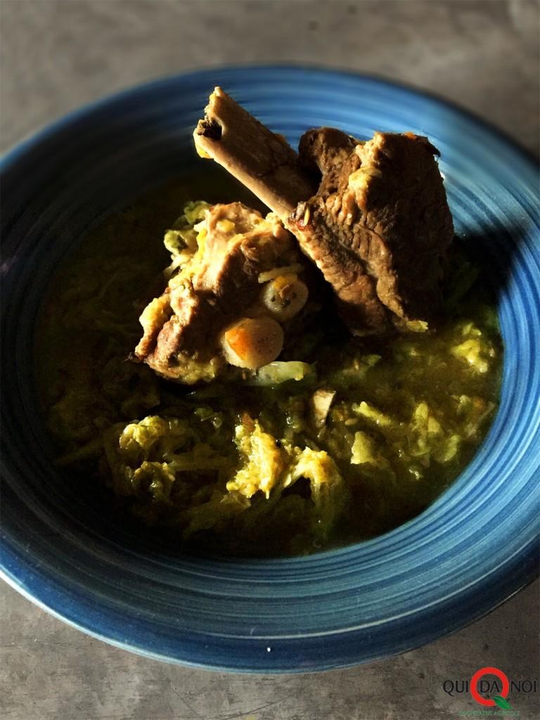 Costine di maiale con verza, ginepro e semi di finocchio_Paola Uberti