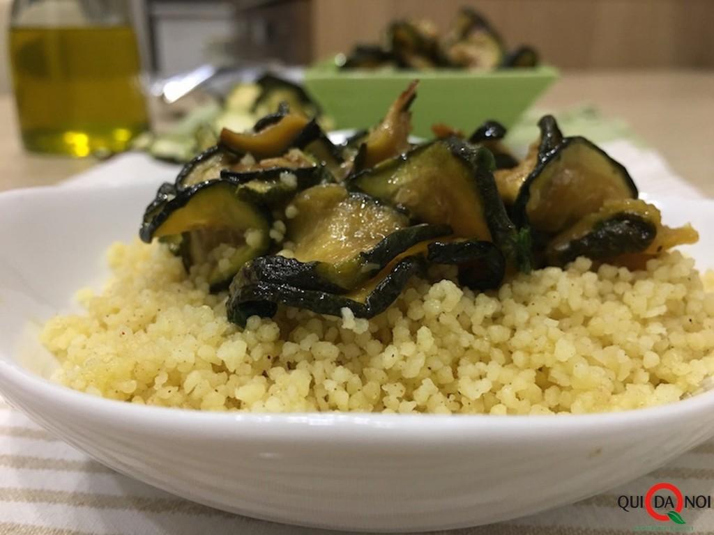 cous-cous-alla-cannella-con-zucchine-trifolate