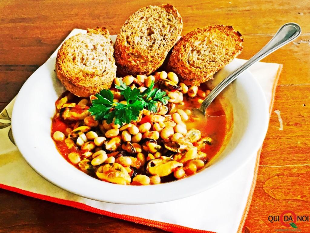 zuppetta piccante di soia e cozze