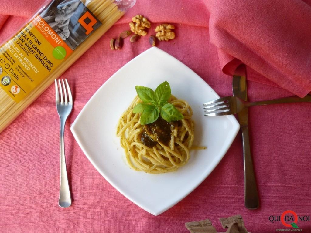 Spaghettoni Girolomoni e pesto di pistacchi fondo - Grassi