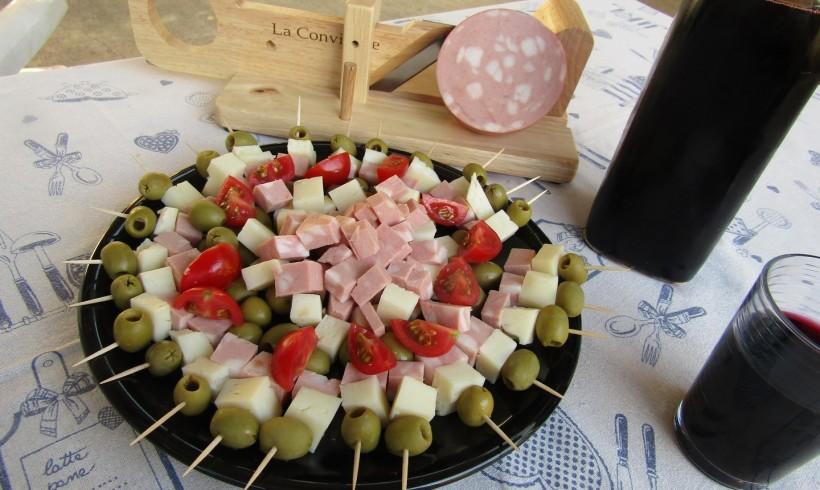 Aperitivo casereccio con mortadella Clai e Casciotta d'Urbino Trevalli
