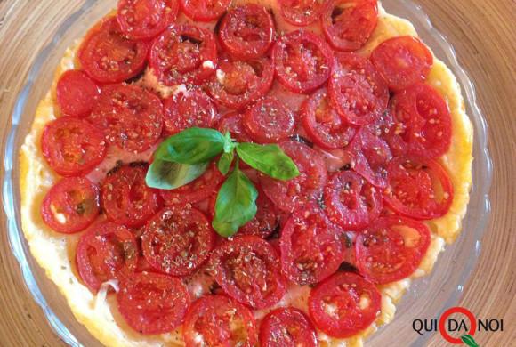 Tarte tatin con pomodorini ed erbe aromatiche