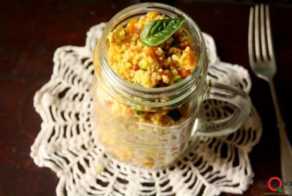Cous cous integrale con dadolata di verdure al curry