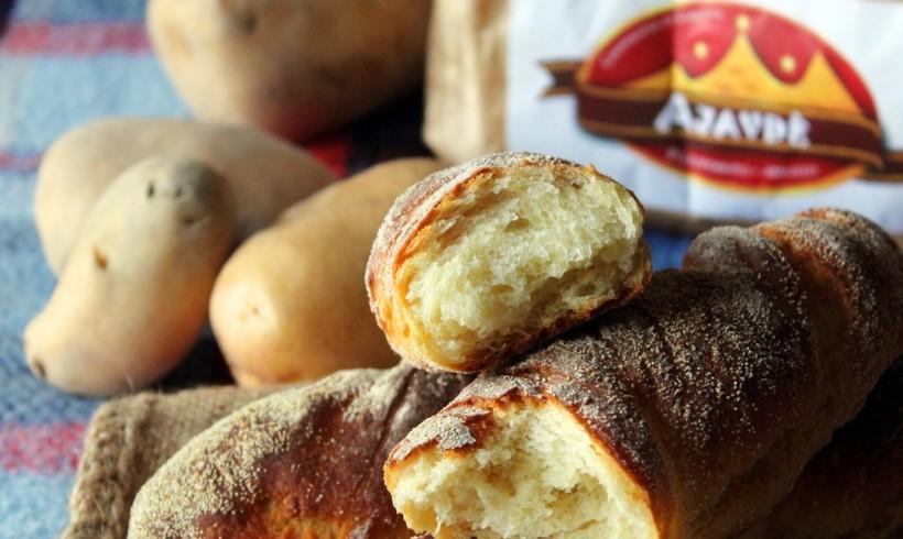 """Pane alle patate """"Ajavdè"""" con miele di castagno"""