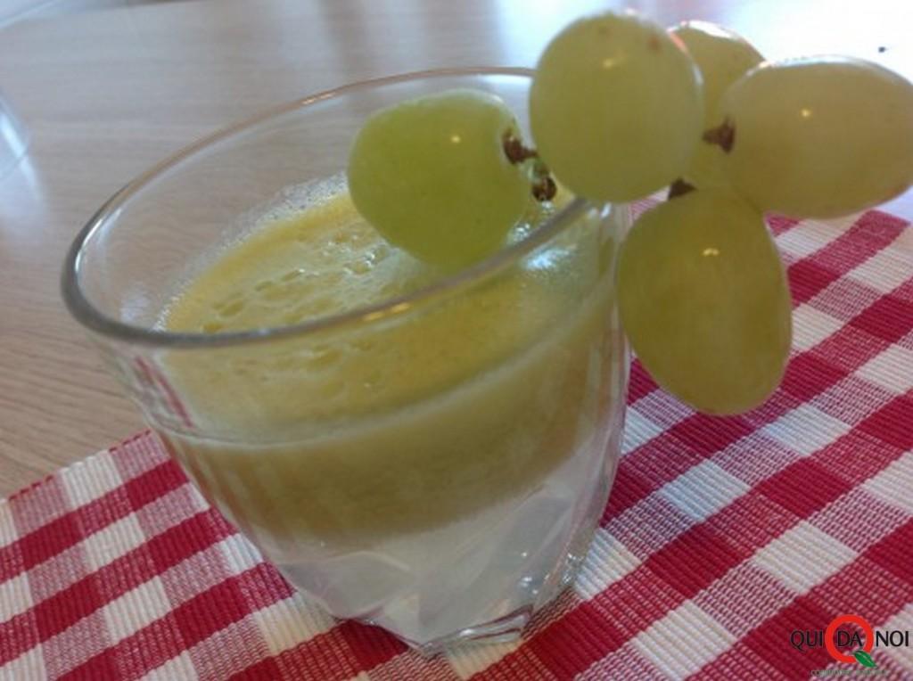 Centrifugato d'uva , mela e limone_fernanda