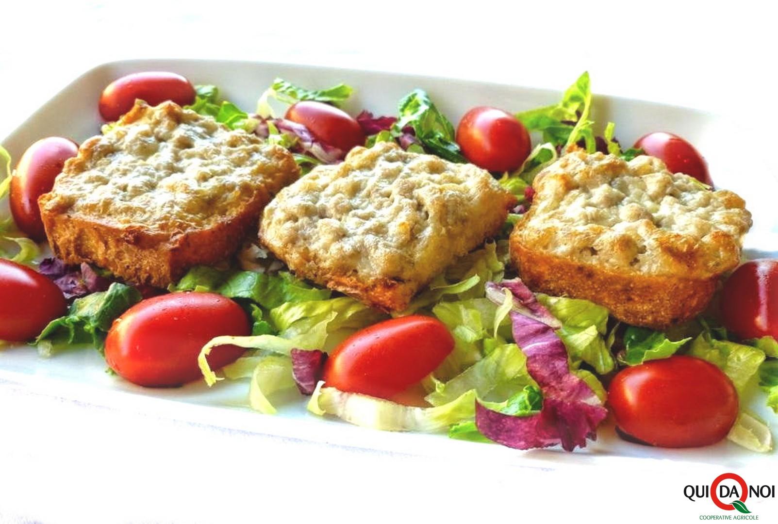 Crostini con stracchino e salsiccia_MA Grassi