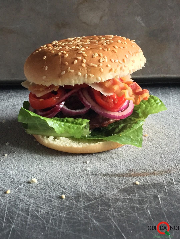 Hamburger-Bacon-Parmigiano_Paola Uberti