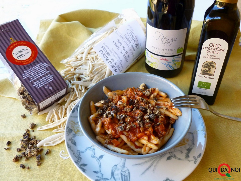 Cecatelli al ragù di manzo, salsiccia e crumble di ceci neri_MA (1)