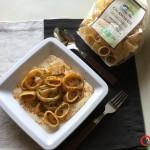 Calamarata con anelli di totano su crema di fagioli