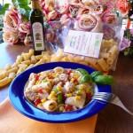 Rigatoni in insalata con mais, tonno e peperoni
