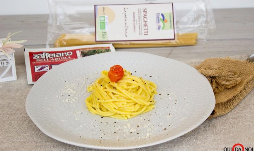 Spaghetti cacio e pepe con Zafferano dell'Aquila Dop