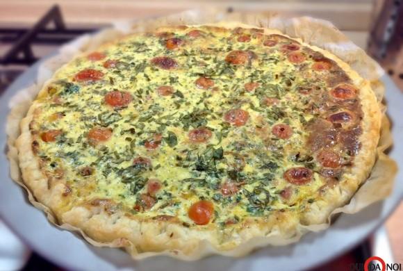 Torta salata con pomodorini ed erbe aromatiche
