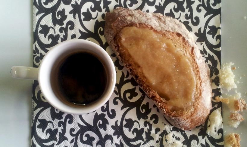 Confettura di banane con caffè e vaniglia