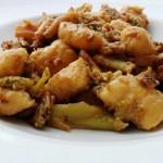 Gnocchi di ceci con broccoli e salsiccia