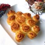 Albero di Natale di rose ai formaggi