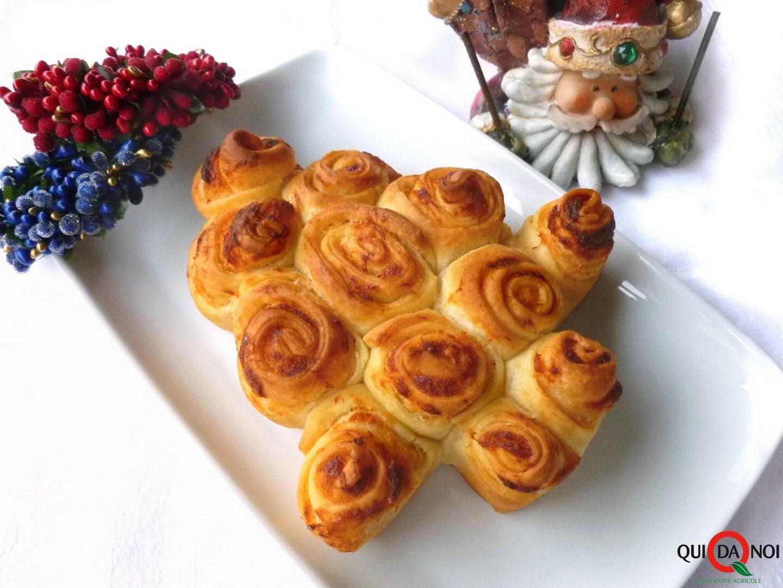 Albero di Natale di rose ai formaggi-Grassi