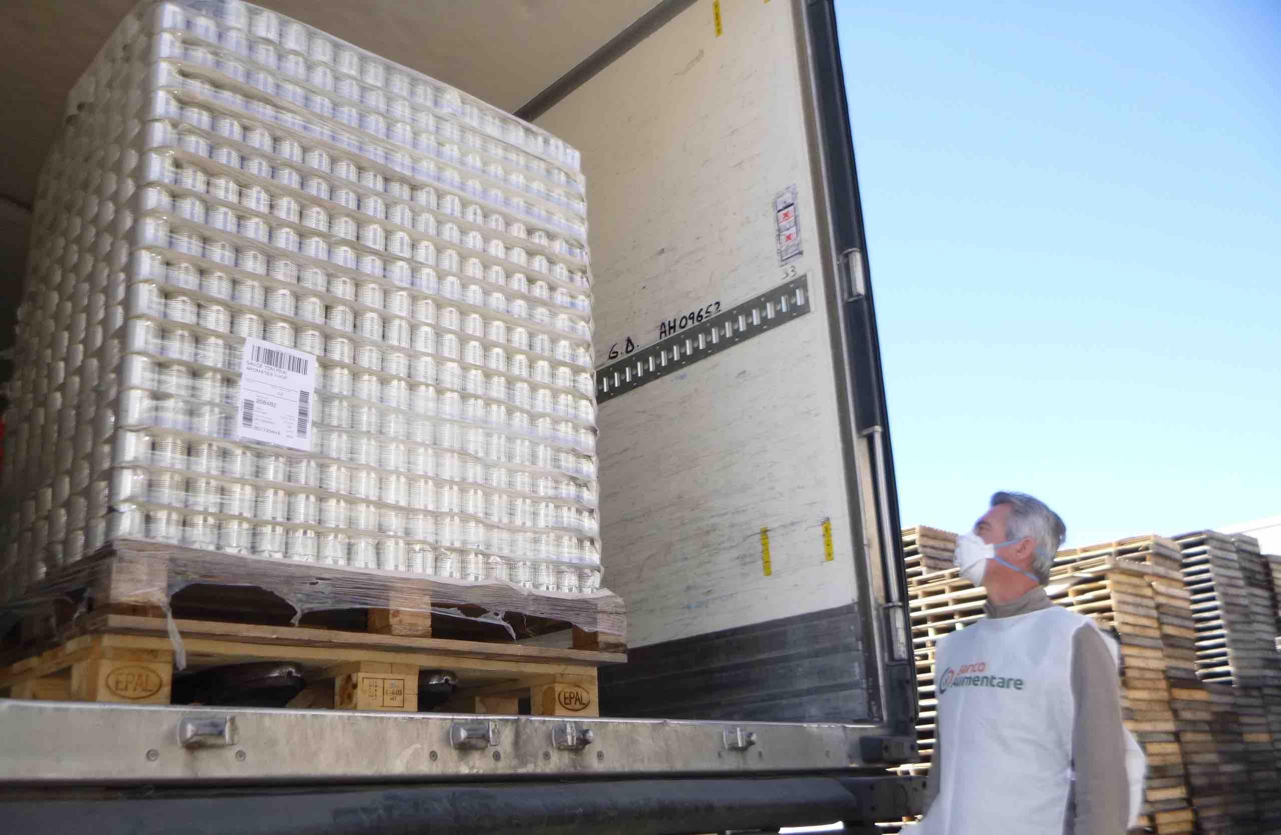 Donazione Banco limentare 15 apr 20 carico prodotti