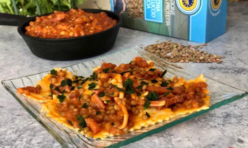 Lasagnette con lenticchie di Castelluccio di Norcia e speck