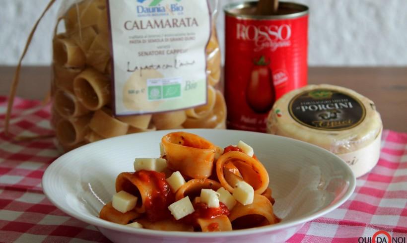 Calamarata fredda con pomodoro e formaggio ai funghi porcini
