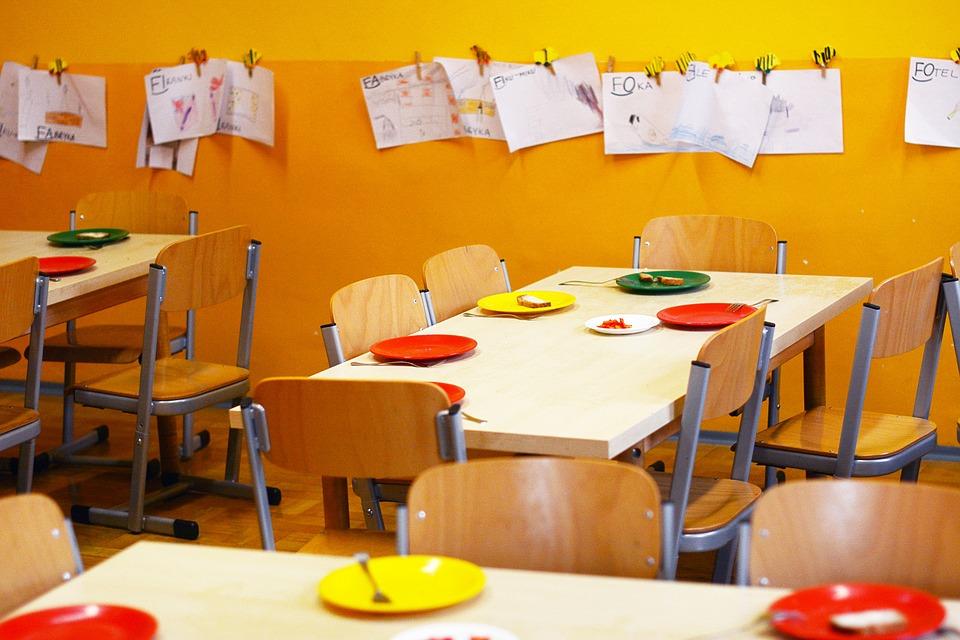 kindergarten-2456159_960_720