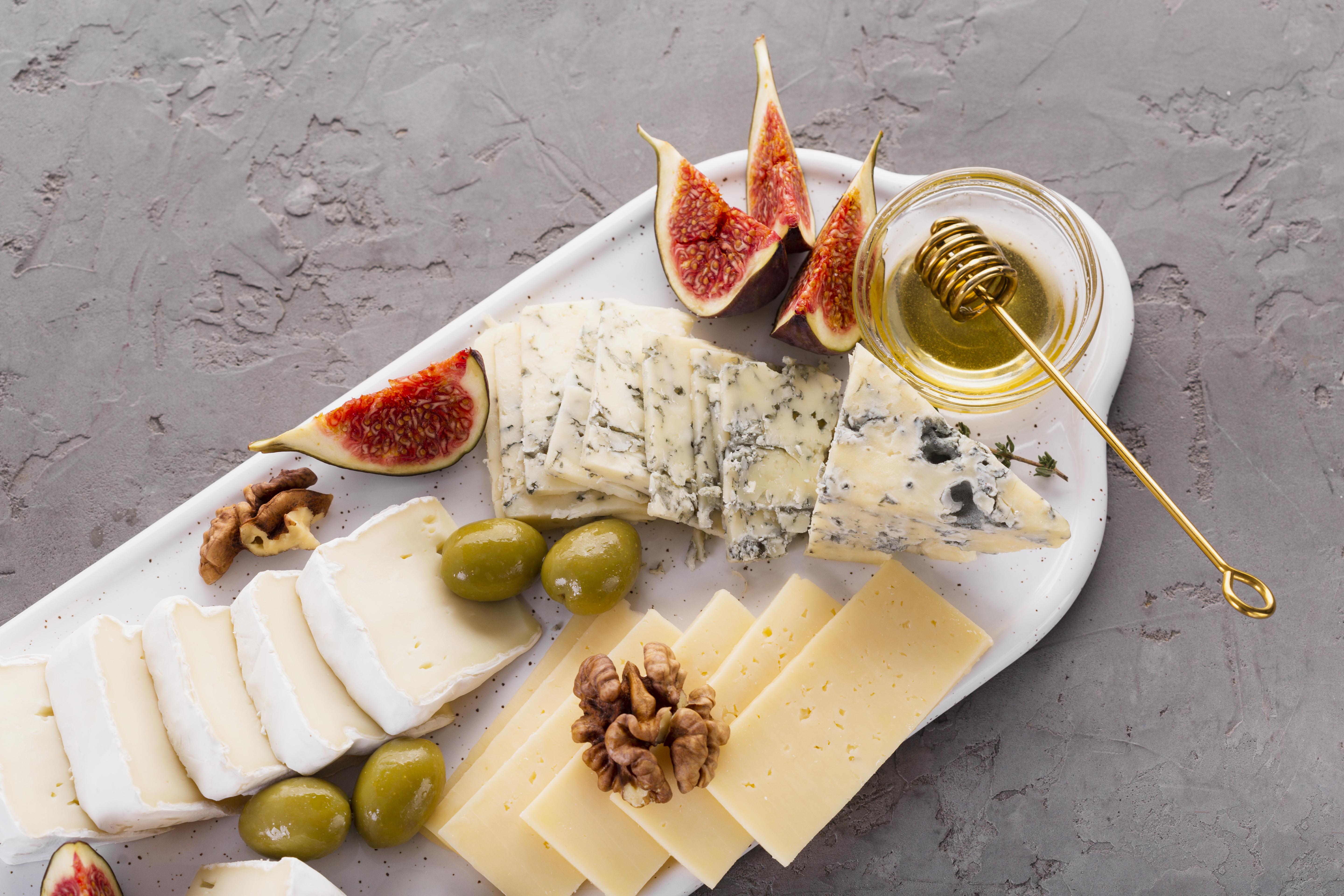 cheese-mix-platter-with-honey