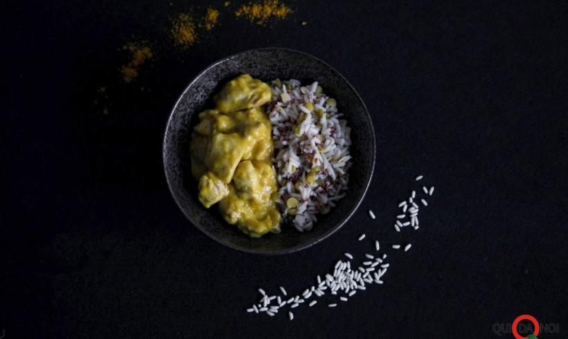 Curry, pollo e risi