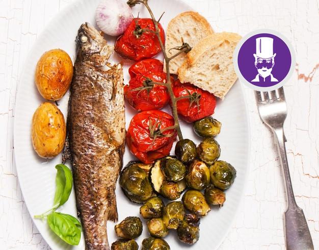 Come servire e mangiare il pesce secondo le regole del Galateo