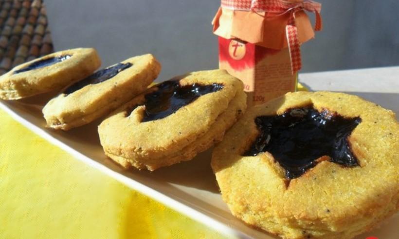 "Biscotti ""occhio di bue"" salati alla gelatina di Aceto Balsamico di Modena"