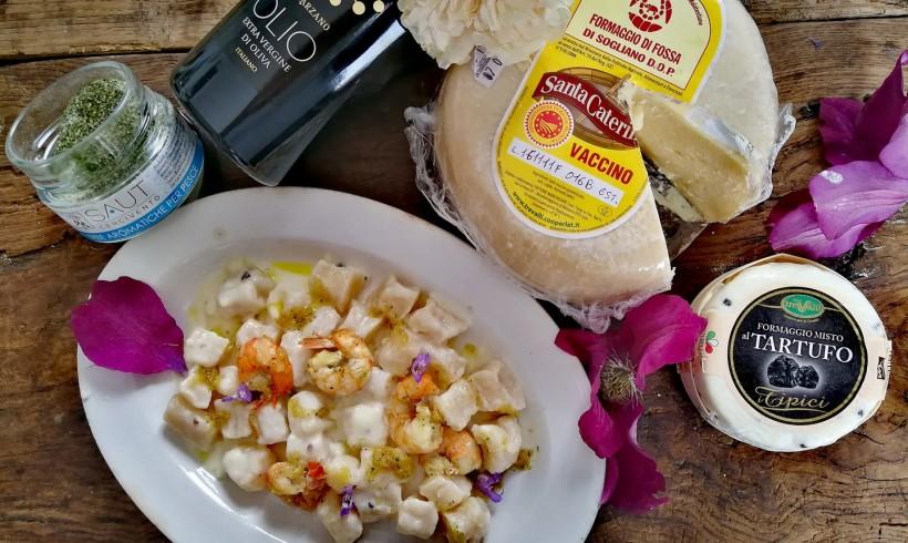 Gnocchi di formaggio alla crema di tartufo e gamberi